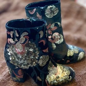 Black, velvet floral Aldo boots